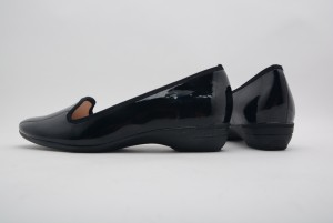 【公式】レディース靴の通販 shop kilakila(キラキラ)本店 防水加工のオペラレインパンプス☆